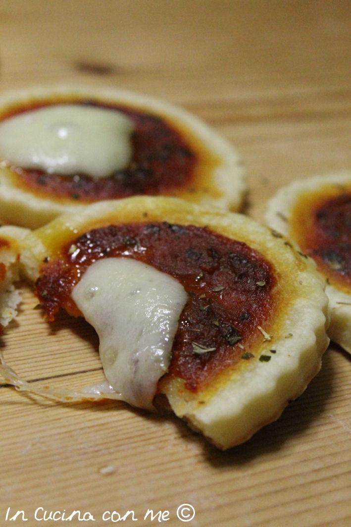 pizzette di sfoglia al formaggio