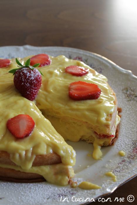 pan di spagna crema e fragole