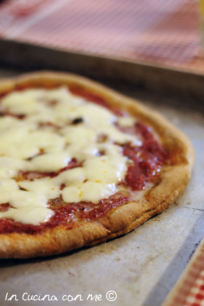 La pizza in casa come nel forno a legna in cucina con me for Pizza in casa