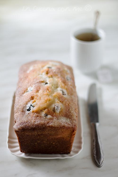 Blackberry tea loaf