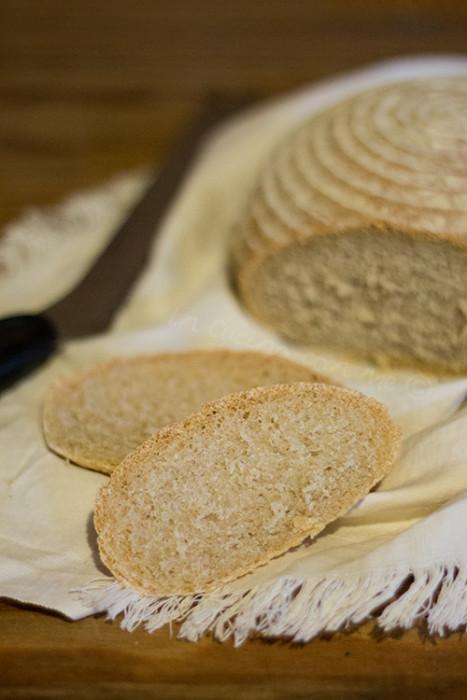 Fetta di pane al farro