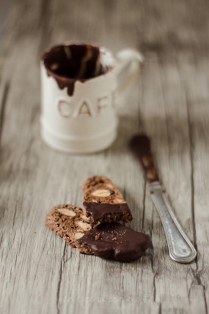 Biscotti cioccolato arancio e mandorle