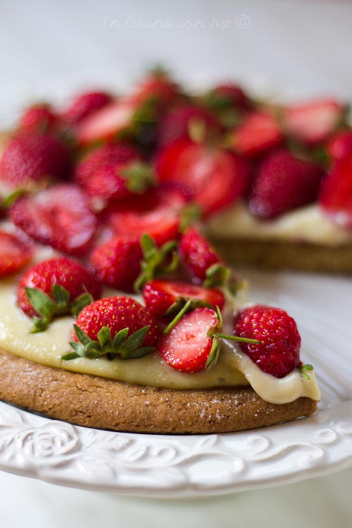 strawberry cookie tart -torta biscotto alle fragole