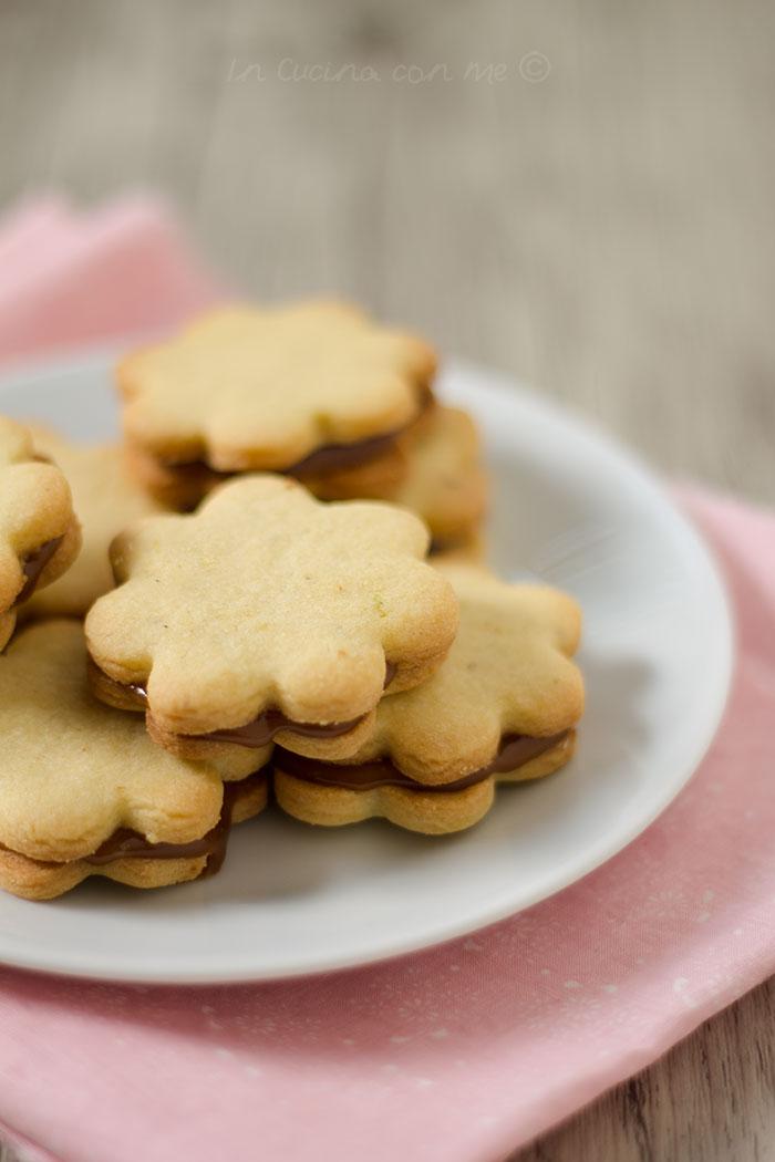 biscotti farciti al caramello al burro salato