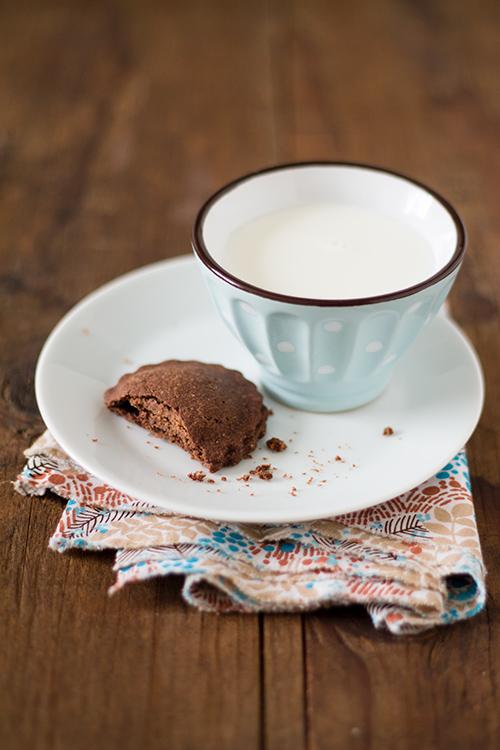 Biscotti al cacao dal cuore morbido - In Cucina con Me