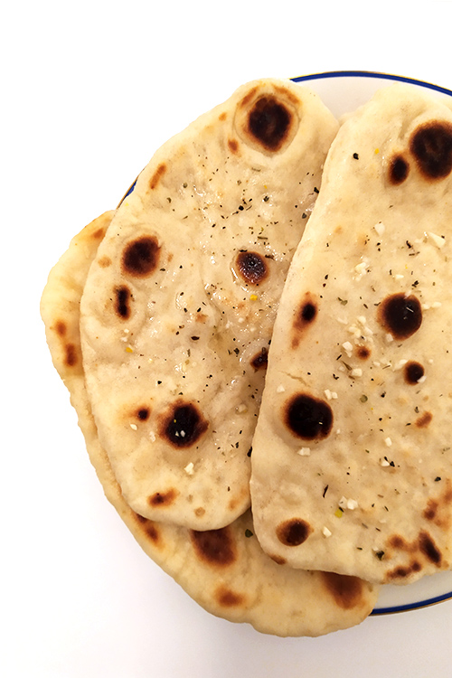 Naan all'aglio, il pane indiano - In Cucina con Me