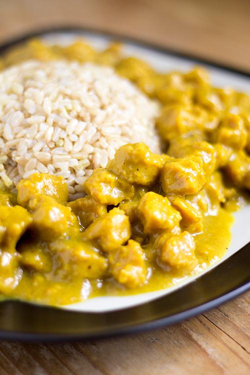 Curry di soia con riso baldo integrale